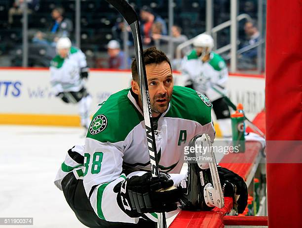 Vernon Fiddler of the Dallas Stars stretches during the pregame warm up prior to NHL action against the Winnipeg Jets at the MTS Centre on February...