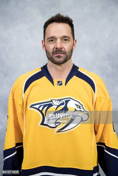 Vernon Fiddler of the Nashville Predators poses for his official headshot prior to an NHL game against the Vancouver Canucks at Bridgestone Arena on...