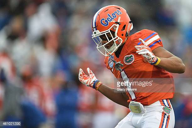Vernon Hargreaves III of the Florida Gators anticipates a play against the East Carolina Pirates during the Birmingham Bowl at Legion Field on...