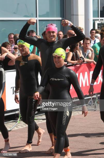 Vernon Kay competes in the Challenger World London Triathlon 2010 at ExCel London on August 8 2010 in London England