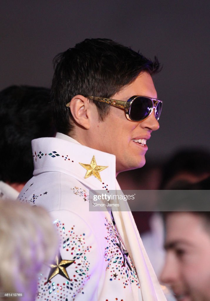 <a gi-track='captionPersonalityLinkClicked' href=/galleries/search?phrase=Vernon+Kay&family=editorial&specificpeople=211386 ng-click='$event.stopPropagation()'>Vernon Kay</a> dressed as Elvis is seen on January 8, 2014 in London, England.
