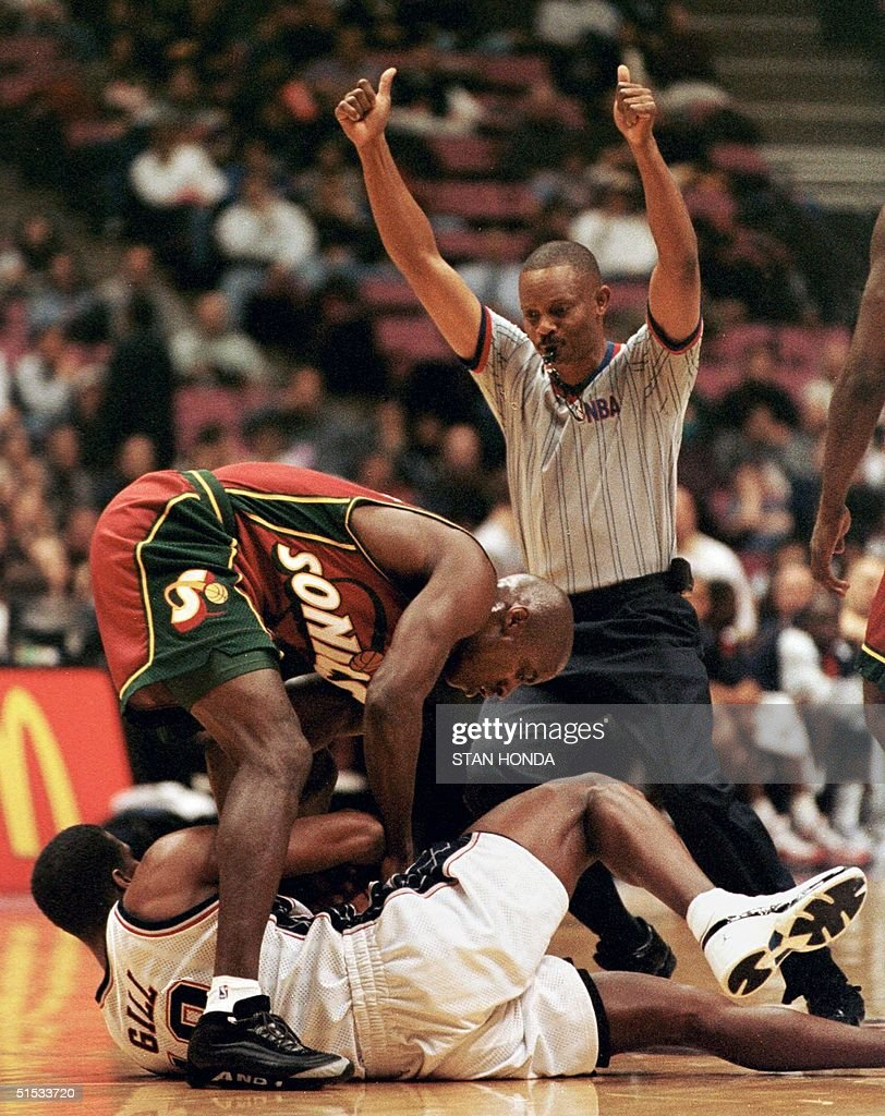 Vernon Maxwell of the Seattle SuperSonics C and