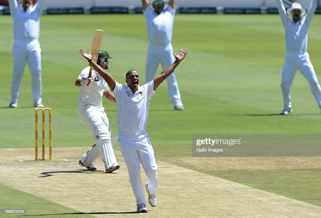 Vernon Philander of South Africa appeals for an lbw decision during day 2 of the 1st Test match between South Africa and Pakistan at Bidvest Wanderers Stadium on February 02, 2013 in Johannesburg, South Africa.