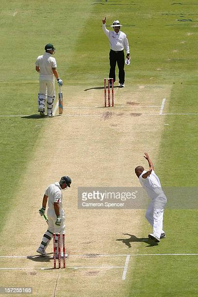 Vernon Philander of South Africa celebrates dismissing Ricky Ponting of Australia for lbw during day two of the Third Test Match between Australia...