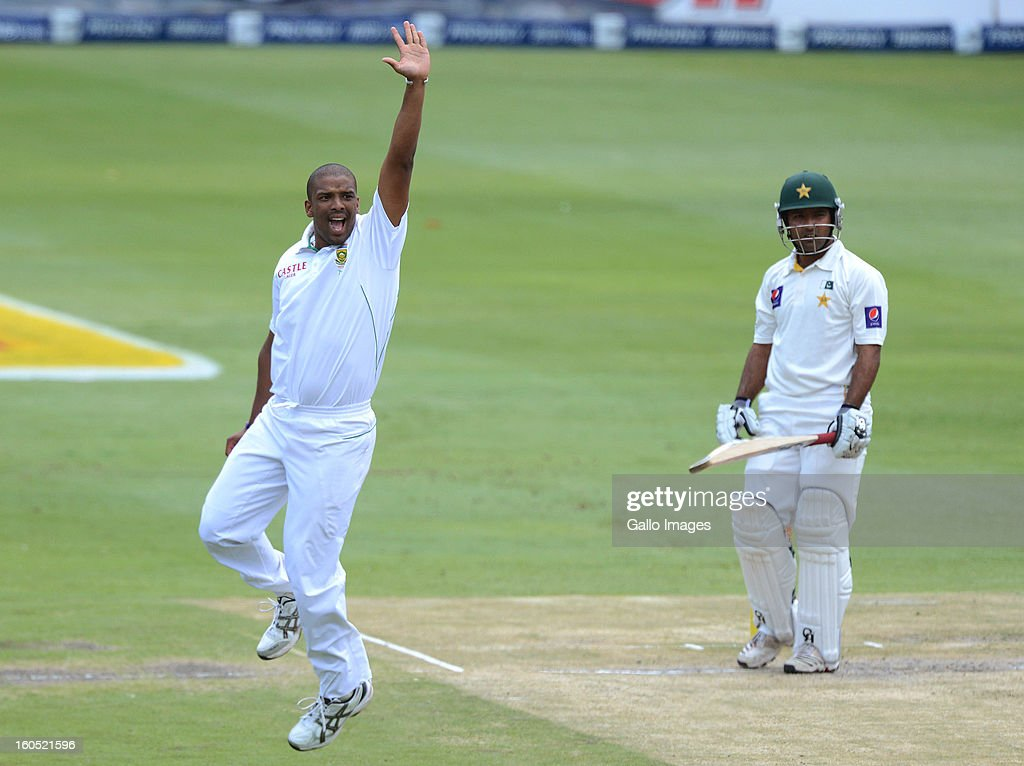 <a gi-track='captionPersonalityLinkClicked' href=/galleries/search?phrase=Vernon+Philander&family=editorial&specificpeople=4353155 ng-click='$event.stopPropagation()'>Vernon Philander</a> of South Africa celebrates the wicket of <a gi-track='captionPersonalityLinkClicked' href=/galleries/search?phrase=Asad+Shafiq&family=editorial&specificpeople=7061328 ng-click='$event.stopPropagation()'>Asad Shafiq</a> of Pakistan during day 2 of the 1st Test match between South Africa and Pakistan at Bidvest Wanderers Stadium on February 02, 2013 in Johannesburg, South Africa.
