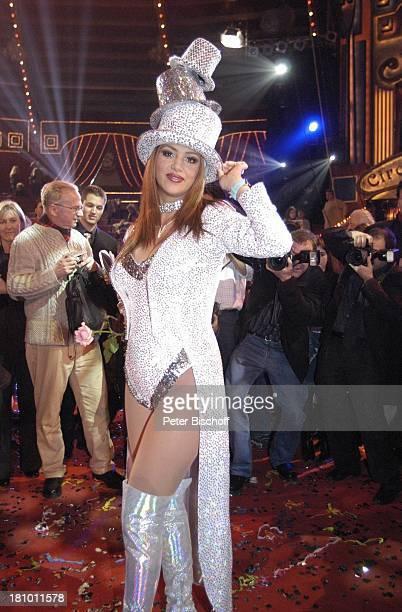 Verona Feldbusch Presse ARDGala 'Stars in der Manege' München 6122003 'Circus Krone' Manege Auftritt Verkleidung verkleidet komische Nummer Zylinder...
