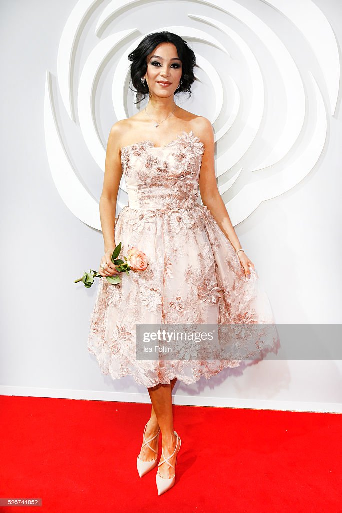 Verona Pooth attends the Rosenball 2016 on April 30, 2016 in Berlin, Germany.