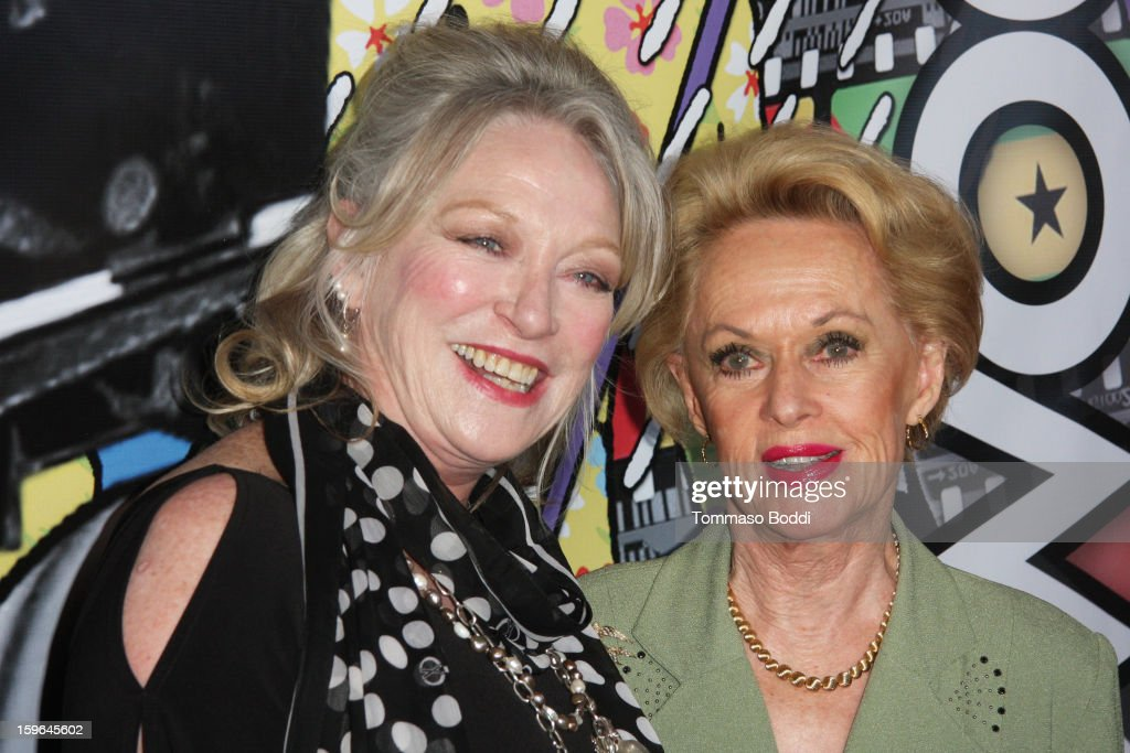 Veronica Cartwright (L) and <a gi-track='captionPersonalityLinkClicked' href=/galleries/search?phrase=Tippi+Hedren&family=editorial&specificpeople=208696 ng-click='$event.stopPropagation()'>Tippi Hedren</a> attend the Red Line Tours presents the 'Directors Series' 2nd annual commemorative ticket VIP private press event held at American Cinematheque's Egyptian Theatre on January 17, 2013 in Hollywood, California.