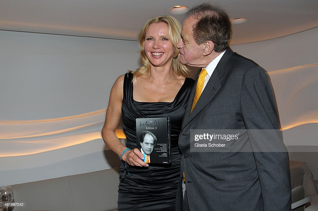 <a gi-track='captionPersonalityLinkClicked' href=/galleries/search?phrase=Veronica+Ferres&family=editorial&specificpeople=207167 ng-click='$event.stopPropagation()'>Veronica Ferres</a> and <a gi-track='captionPersonalityLinkClicked' href=/galleries/search?phrase=Arthur+Cohn&family=editorial&specificpeople=765188 ng-click='$event.stopPropagation()'>Arthur Cohn</a> attend the 'Gala Abend mit <a gi-track='captionPersonalityLinkClicked' href=/galleries/search?phrase=Arthur+Cohn&family=editorial&specificpeople=765188 ng-click='$event.stopPropagation()'>Arthur Cohn</a>' - as part of Filmfest Muenchen 2014 at Gasteig and Dinner at Hotel Bayerischer Hof on July 1, 2014 in Munich, Germany