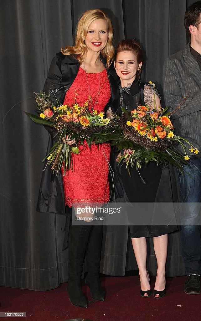 <a gi-track='captionPersonalityLinkClicked' href=/galleries/search?phrase=Veronica+Ferres&family=editorial&specificpeople=207167 ng-click='$event.stopPropagation()'>Veronica Ferres</a> and Josefine Preuß attend the 'Rubinrot' premiere on March 5, 2013 in Munich, Germany.