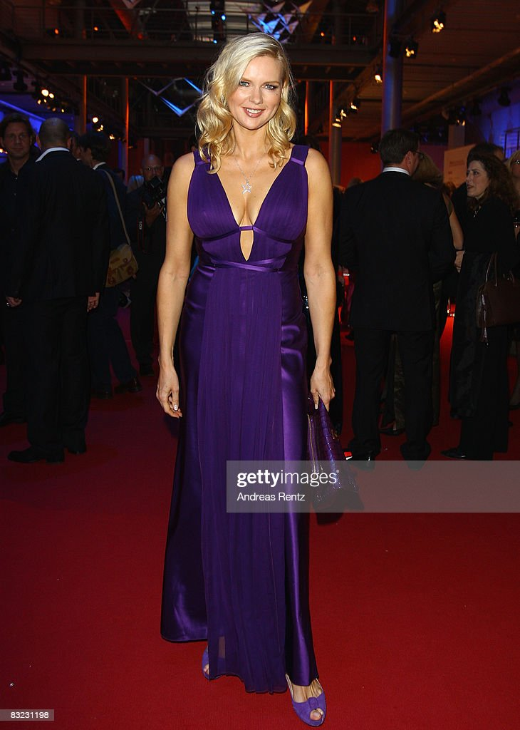 Veronica Ferres arrives for the German TV Award 2008 at the Coloneum on October 11, 2008 in Cologne, Germany.