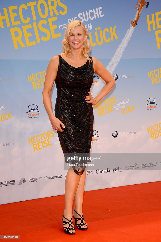 <a gi-track='captionPersonalityLinkClicked' href=/galleries/search?phrase=Veronica+Ferres&family=editorial&specificpeople=207167 ng-click='$event.stopPropagation()'>Veronica Ferres</a> attends the premiere of the film 'Hector and the Search for Happiness' (German title: 'Hectors Reise') at Zoo Palast on August 5, 2014 in Berlin, Germany.