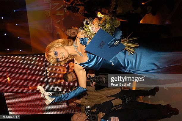 Veronica Ferres Verleihung 'Bayrischer Fernsehpreis' München 'Prinzregententheater' Foyer Preis Auszeichnung Promi Promis Prominente PNr 507/2004 NB...