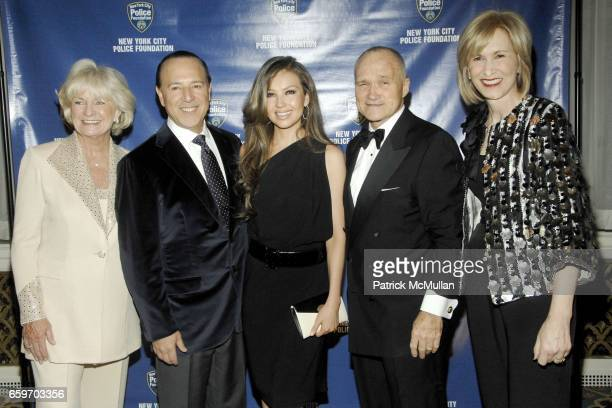 Veronica Kelly Tommy Mottola Thalia Mottola NYPD Commissioner Ray Kelly and Valerie Salembier attend NEW YORK CITY POLICE FOUNDATION 31st Annual Gala...