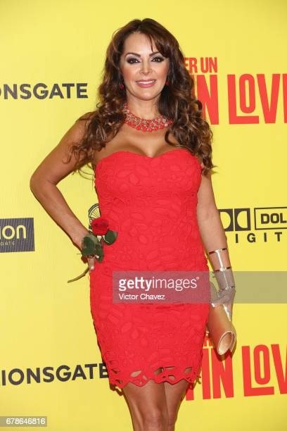Veronica Macias attends the 'How To Be A Latin Lover' Mexico City premiere at Teatro Metropolitan on May 3 2017 in Mexico City Mexico