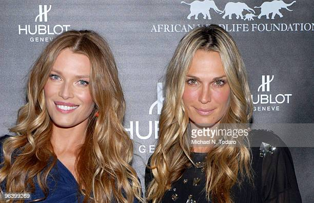 Veronica Varekova and Molly Sims attend the 2010 African Wildlife Foundation auction dinner at the American Museum of Natural History on February 3...