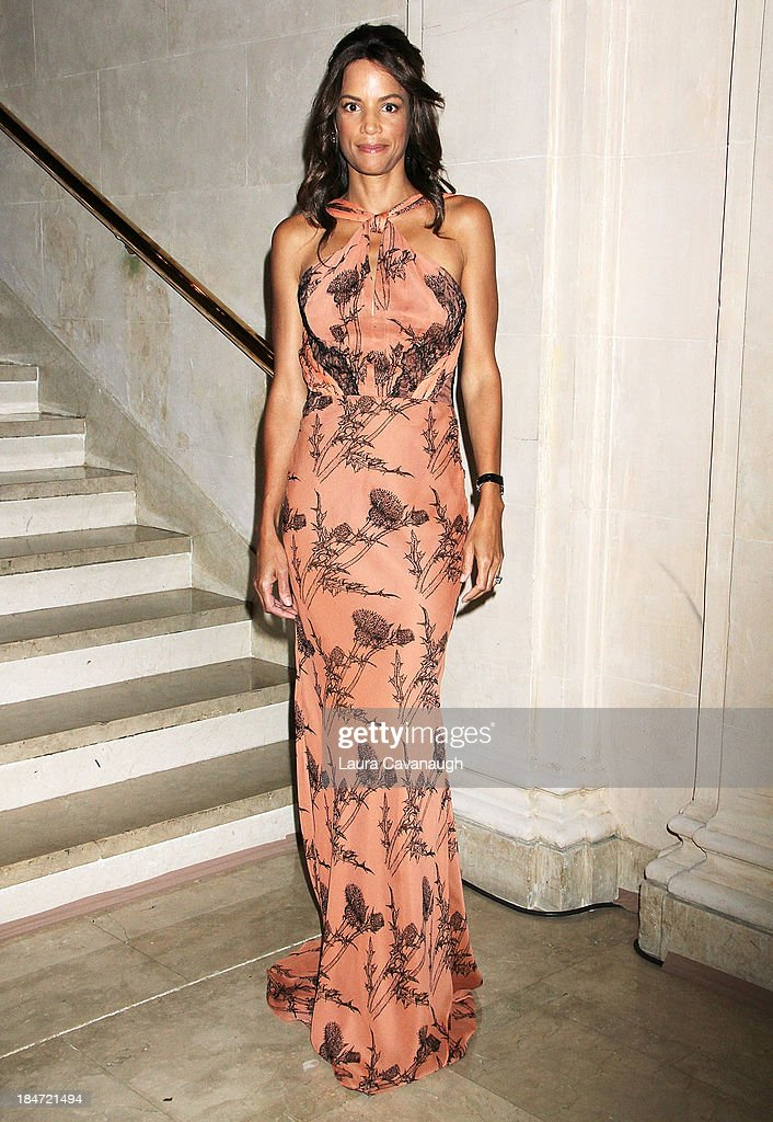 <a gi-track='captionPersonalityLinkClicked' href=/galleries/search?phrase=Veronica+Webb&family=editorial&specificpeople=213742 ng-click='$event.stopPropagation()'>Veronica Webb</a> attends the 2013 Skin Cancer Foundation Gala at The Plaza Hotel on October 15, 2013 in New York City.