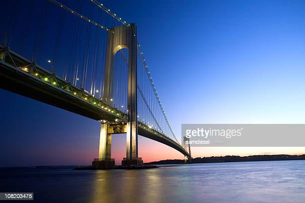El puente Verrazano Bridge at Sunset