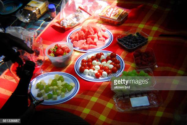 picknick tisch stock photos and pictures | getty images, Esszimmer dekoo