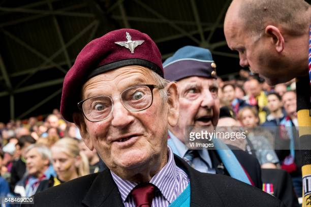veteran during the Dutch Eredivisie match between Vitesse Arnhem and VVV Venlo at Gelredome on September 17 2017 in Arnhem The Netherlands