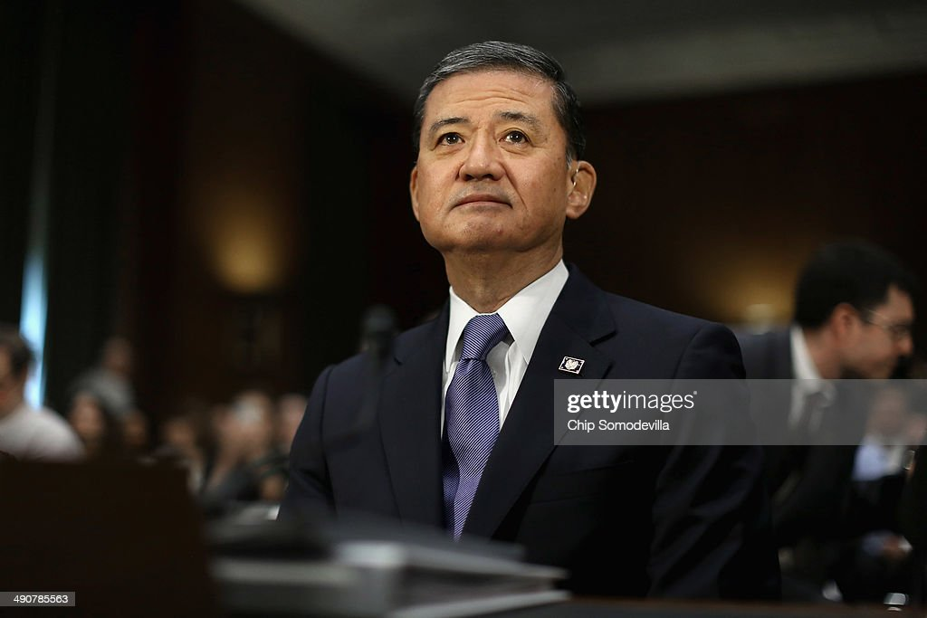 S Veterans Affairs Secretary Eric Shinseki prepares to testify before the Senate Veterans' Affairs Committee about wait times veterans face to get...
