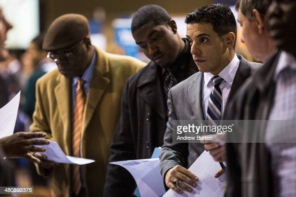 Veterans speak to a job recruiter at a 'Hiring our Heroes' Job Fair on March 27 2014 in New York City The jobs fair which was put together by the New...