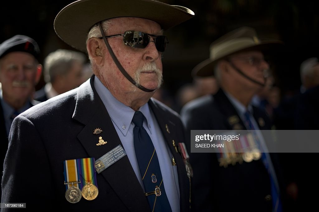 Veterans wait to take part in the Anzac Day march through Sydney on April 25, 2013. Tens of thousands of Australians and New Zealanders turned out on April 25 to honour their war dead, with moving tributes to fallen mates and calls not to forget those injured in conflict. AFP PHOTO / Saeed Khan