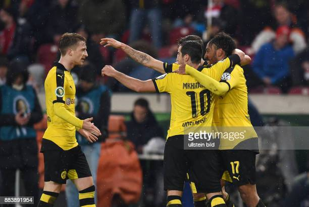 FUSSBALL VfB Stuttgart Borussia Dortmund 2 Marco Reus Henrikh Mkhitaryan und PierreEmerick Aubameyang