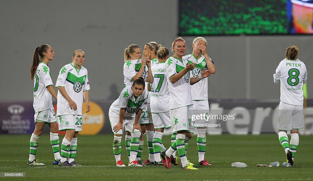 VfL Wolfsburg players show their dejection during the UEFA Women's Champions League Final VfL Wolfsburg and Olympique Lyonnais between at Mario Rigamonti Stadium on May 26, 2016 in Brescia, Italy.
