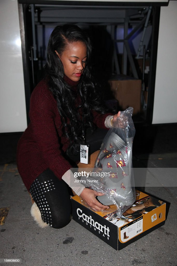 Vh1's Malaysia Pargo hosts the Book Bank Foundation's 'Shelter From the Streets' holiday giving tour on December 20, 2012 in New York City.