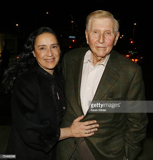Viacom's Sumner Redstone his wife Paula arrive at the premiere of Paramount Picture's 'Zodiac' at the Paramount Theatre on March 1 2007 in Los...