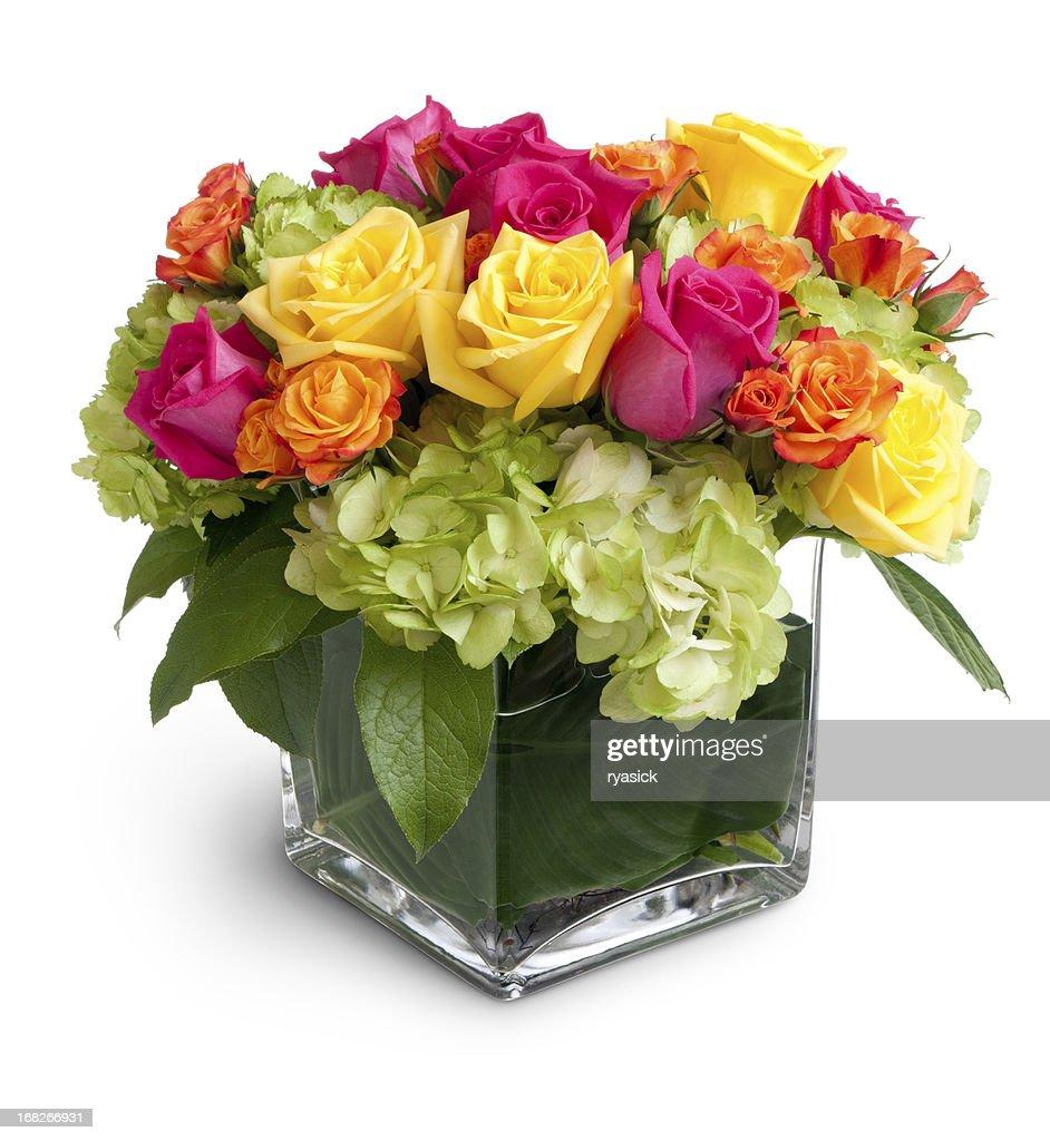 Lebhafte Blumenarrangement im Square Kristall-Vase Isoliert : Stock-Foto