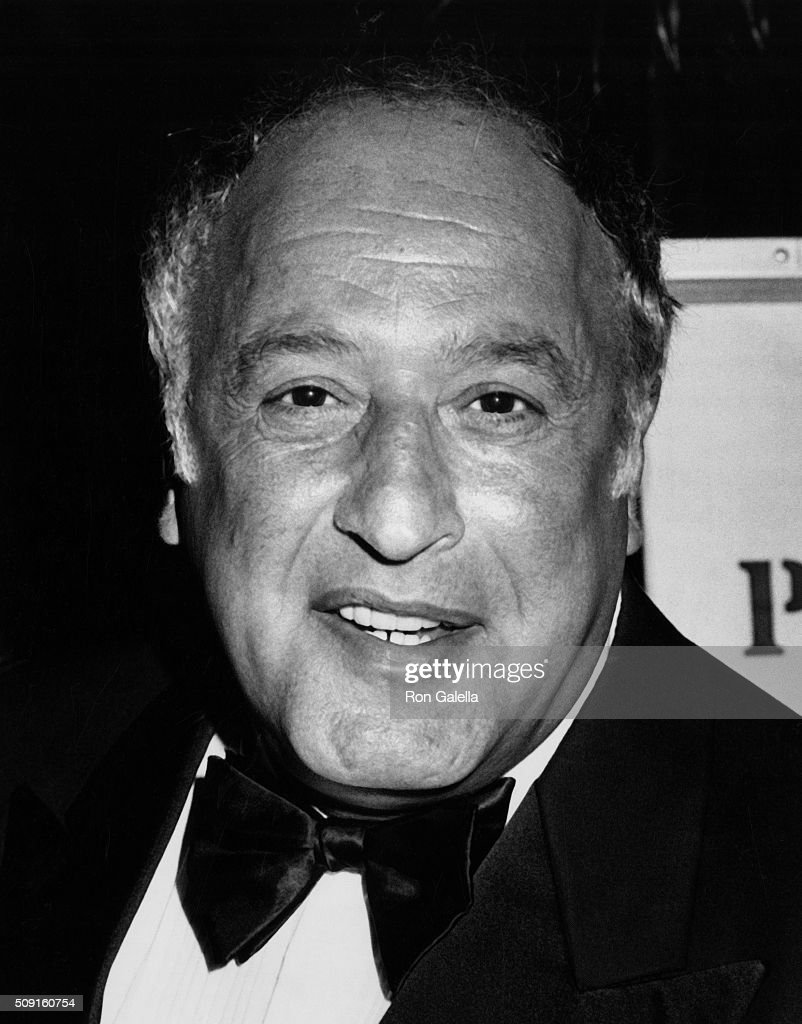 vic tayback actor