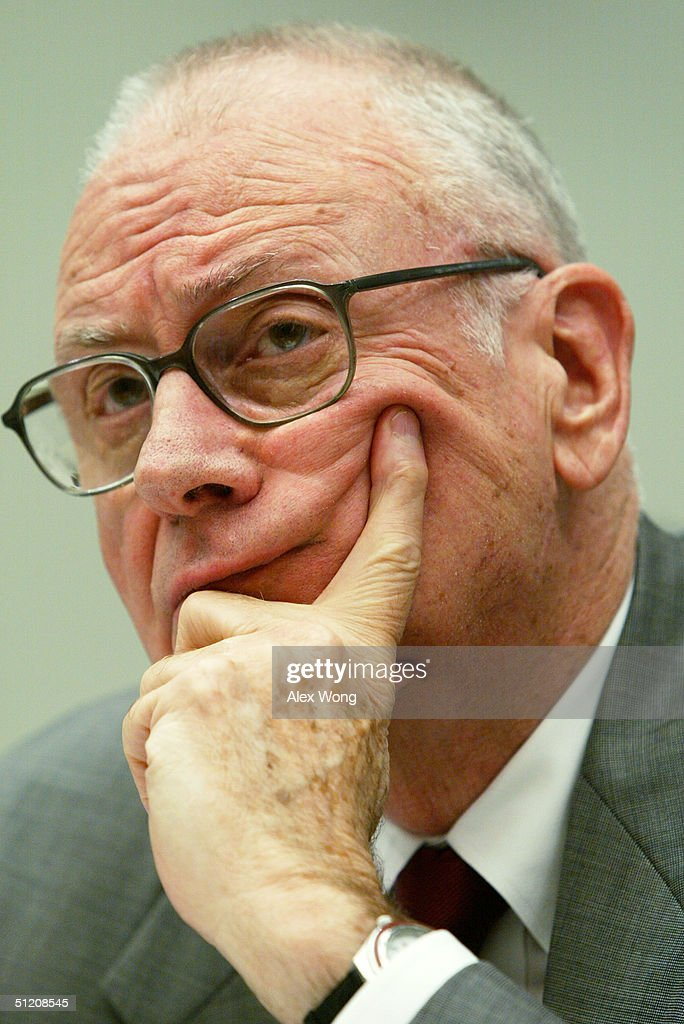 Vice Chairman Lee H. Hamilton of the National Commission on Terrorist Attacks Upon the United States (9/11 commission) testifies during a hearing before the House Financial Services Committee August 23, 2004 on Capitol Hill in Washington, DC. The hearing was focused on terrorist financing and money laundering in response to the commission's final report.
