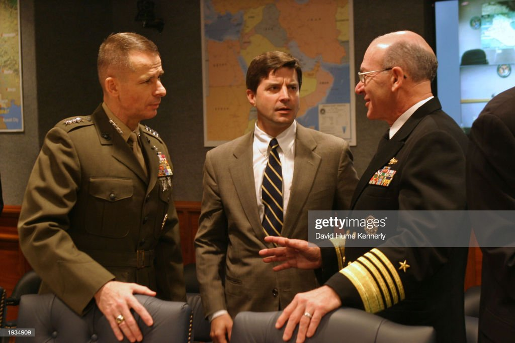 Today 39 s photos getty images for Chair joint chiefs of staff