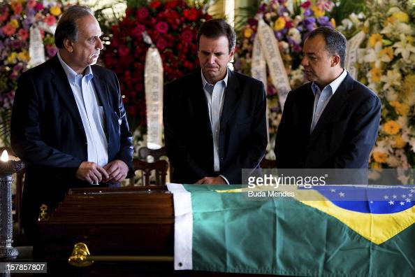 Vice Major Fernando Pezao Major Eduardo Paes and Governor Sergio Cabral attend the funeral of the Architect Oscar Niemeyer at Palacio City on...