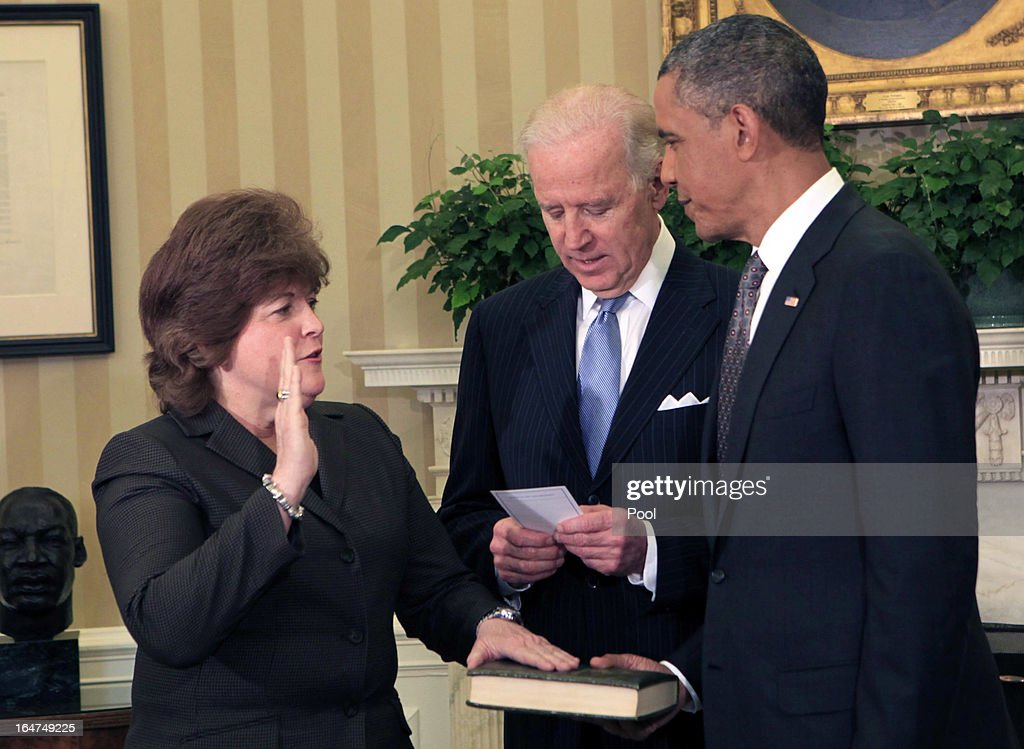 Vice President <a gi-track='captionPersonalityLinkClicked' href=/galleries/search?phrase=Joseph+Biden&family=editorial&specificpeople=206897 ng-click='$event.stopPropagation()'>Joseph Biden</a> (C) administers the oath of office to <a gi-track='captionPersonalityLinkClicked' href=/galleries/search?phrase=Julia+Pierson&family=editorial&specificpeople=10620908 ng-click='$event.stopPropagation()'>Julia Pierson</a> (L) to become the Director of the United States Secret Service as President <a gi-track='captionPersonalityLinkClicked' href=/galleries/search?phrase=Barack+Obama&family=editorial&specificpeople=203260 ng-click='$event.stopPropagation()'>Barack Obama</a> looks on in the Oval Office of the White House March 27, 2013 in Washington, DC. Pierson is the first woman to head the agency.