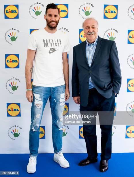 Vicente del Bosque and Rudy Fernandez attend 'Formula Desayuno' Presentation in Madrid on June 27 2017 in Madrid Spain