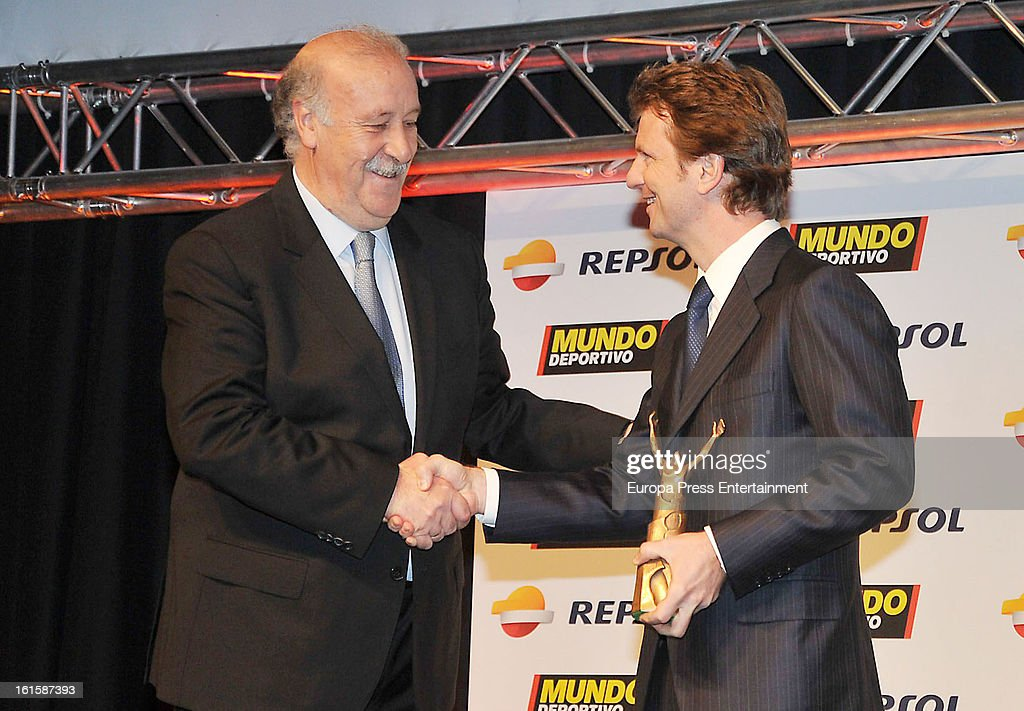 <a gi-track='captionPersonalityLinkClicked' href=/galleries/search?phrase=Vicente+del+Bosque&family=editorial&specificpeople=2400668 ng-click='$event.stopPropagation()'>Vicente del Bosque</a> (L) attends the Sport Annual Gala In Barcelona at palau de Congresos on February 11, 2013 in Barcelona, Spain.