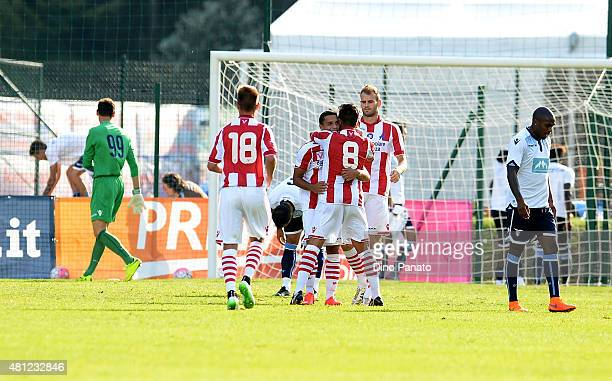 Vicenza Calcio players celebrate after Vita's goal during the preseason friendly match between SS Lazio and Vicenza Calcio on July 18 2015 in Auronzo...