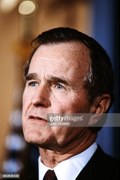 US VicePresident George Bush gives a press conference on February 15 1984 in Paris after his meeting with French President Francois Mitterrand at the...
