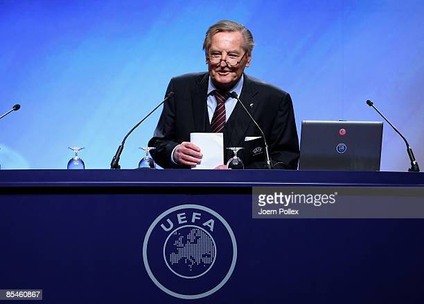 VicePresident Gerhard MayerVorfelder talks during the UEFA Football Workshop on March 17 2009 in Hamburg Germany