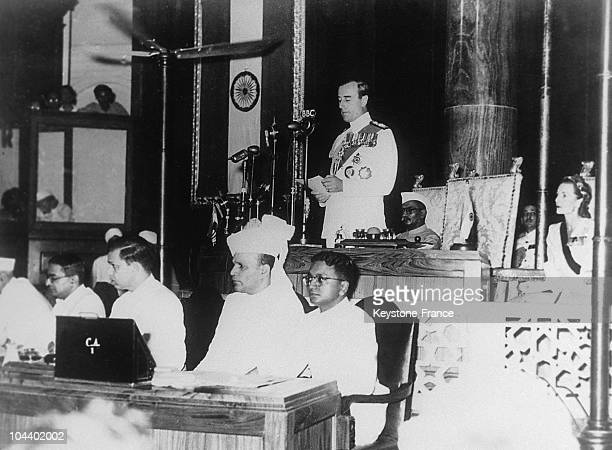 MOUNTBATTEN viceroy of India reading India and Pakistan's declarations of independence over the radio in New Delhi