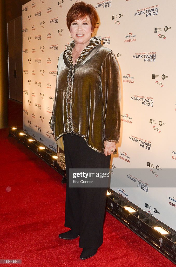 <a gi-track='captionPersonalityLinkClicked' href=/galleries/search?phrase=Vicki+Lawrence&family=editorial&specificpeople=220803 ng-click='$event.stopPropagation()'>Vicki Lawrence</a> poses on the red carpet during The 16th Annual Mark Twain Prize For American Humor at John F. Kennedy Center for the Performing Arts on October 20, 2013 in Washington, DC.