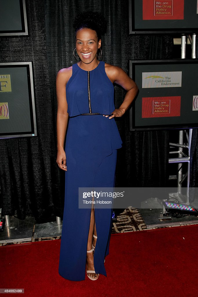 <a gi-track='captionPersonalityLinkClicked' href=/galleries/search?phrase=Vicky+Jeudy&family=editorial&specificpeople=11068461 ng-click='$event.stopPropagation()'>Vicky Jeudy</a> attends the CNN 's 'A New Way of Life Reentry Project' 15th annual fundraising gala at Omni Los Angeles Hotel on December 8, 2013 in Los Angeles, California.