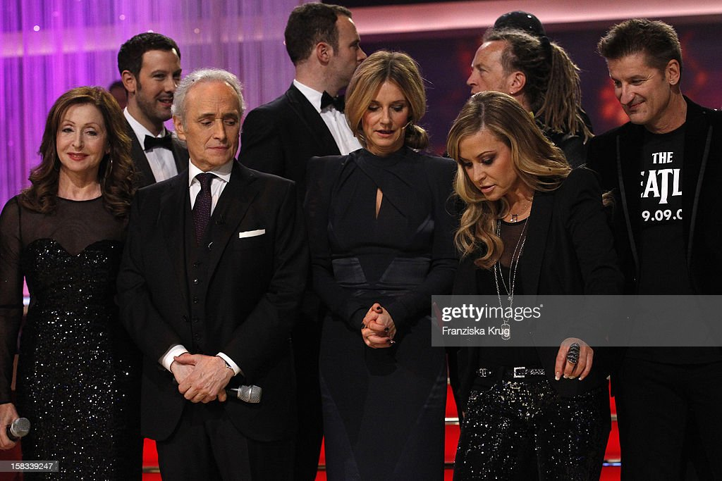 Vicky Leandros, Jose Carreras, Kim Fisher, Anastacia and Hartmut Engler performs during the 18th Annual Jose Carreras Gala on December 13, 2012 in Leipzig, Germany.