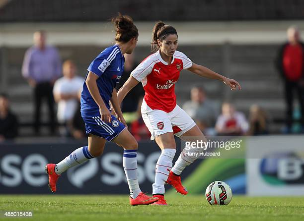 Vicky Losada of Arsenal Ladies FC and Hannah Blundell of Chelsea Ladies FC during the FA WSL match between Arsenal Ladies FC and Chelsea Ladies FC at...