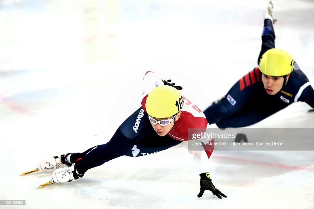 Victor An of Russia (L) leads Jae min Hwang of Korea (R) into the corner during the Men's 1500m semi-finals on day one of the ISU World Cup Short Track Speed Skating on February 14, 2015 in Erzurum, Turkey.