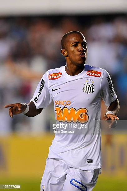 Victor Andrade of Santos celebrates a scored goal during a match between Santos and Palmeiras as part of the Brazilian Serie A Championship 2012 at...
