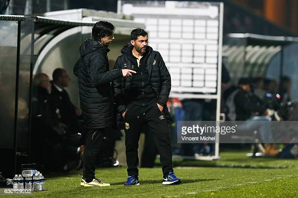 Victor Clara Santos e Motas Fernandes coach adjoint and Sergio Conceicao headcoach of Nantes during the French Ligue 1 match between Angers and...